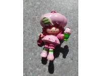 Collectable Vintage Miniature Strawberry Shortcake doll - Raspberry Tart with Tasty Sundae