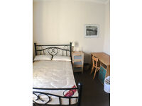 Double bedroom to rent in central Edinburgh (student/female)