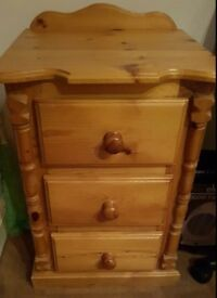 SOLID WOOD PINE. BEDSIDE TABLE