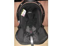 Graco Baby Car Seat and Junior Baby Base