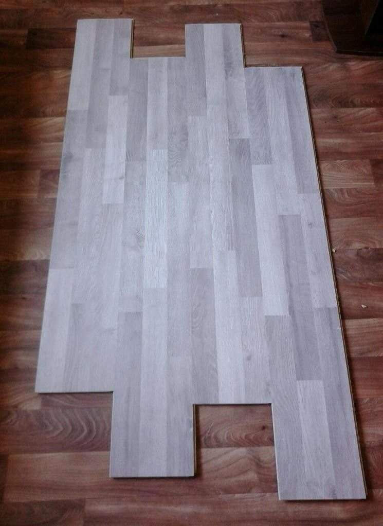 Howdens Grey Wood Effect Laminate Flooringprice Per Square Metre