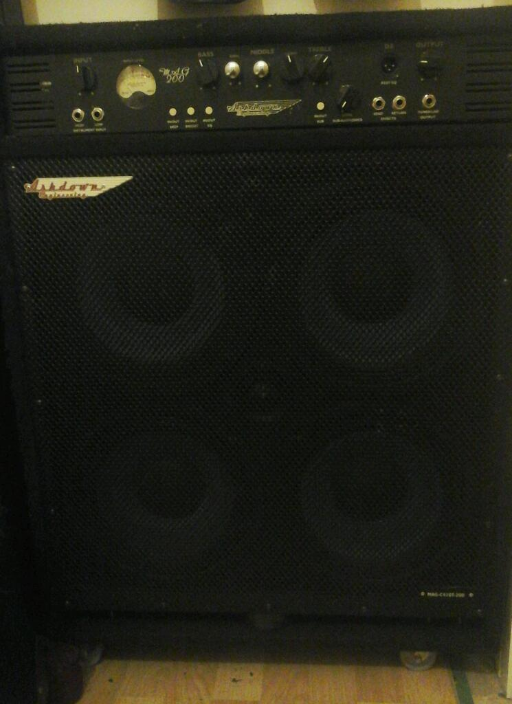 Ashdown Bass Amp Ashdown Mag200 4x10 Bass Combo