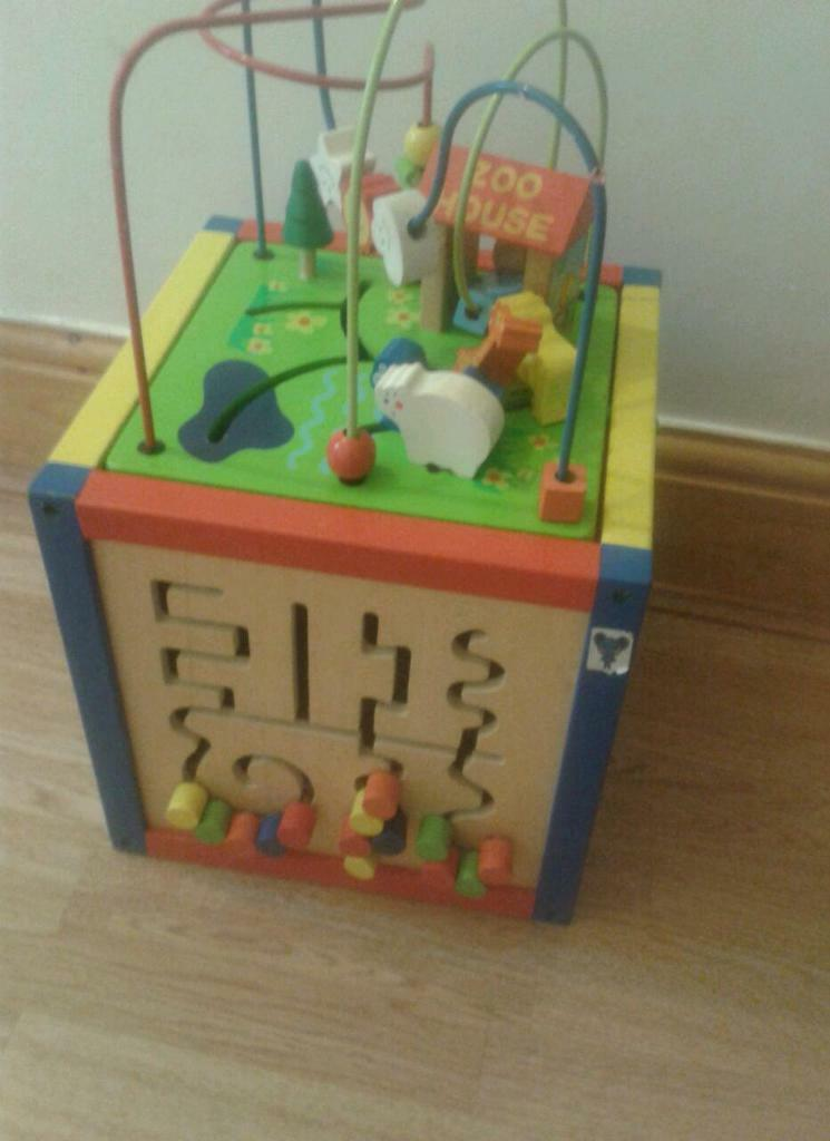 kids large play and learning cube