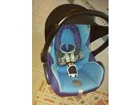 Maxi cosy car seat 0 - 12 months STILL AVAILABLE