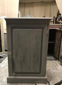 Wine cabinet pine