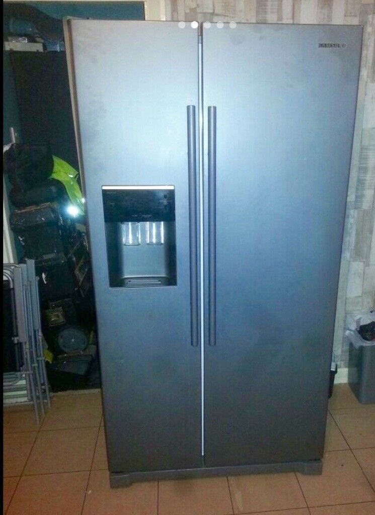 d06b148afb7c SAMSUNG AMERICAN STYLE FRIDGE FREEZER MANHATTAN SILVER..USED IN GREAT  CONDITION