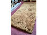 Deep pile 100% wool rug