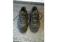 Nike shox black and gold size 8