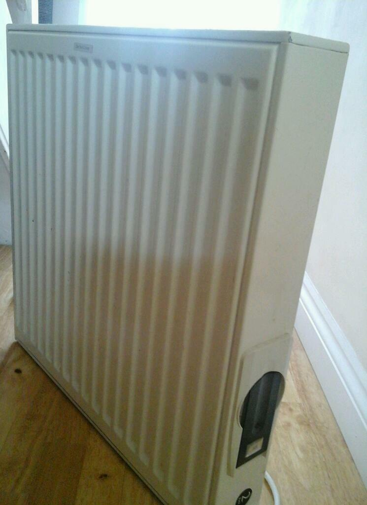 Heat electric wall radiatorin Greenwich, LondonGumtree - Heat electric wall radiator for sale. It is in very good working condition. It uses oil which stores heat for longer. Make Heat Electric Model HE6060 Size 600mm x 600mm Input 900W Weight 29kg