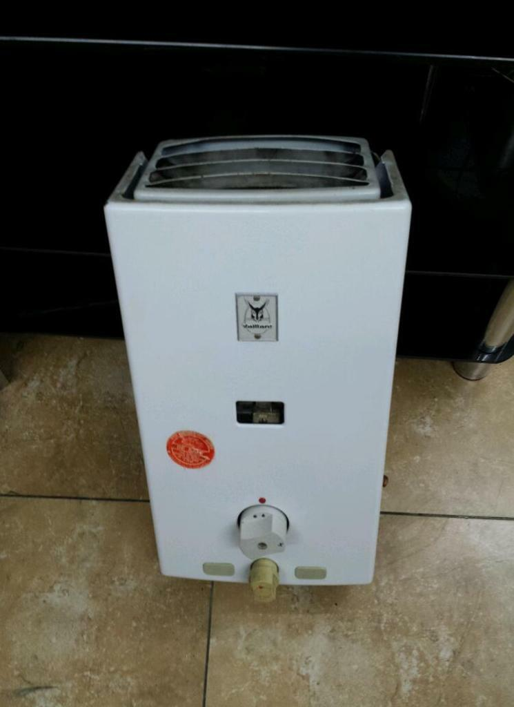Vaillant over sink water gas heater tanklessgeyser in  : 86 from www.gumtree.com size 745 x 1024 jpeg 47kB