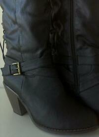Black boots size 7