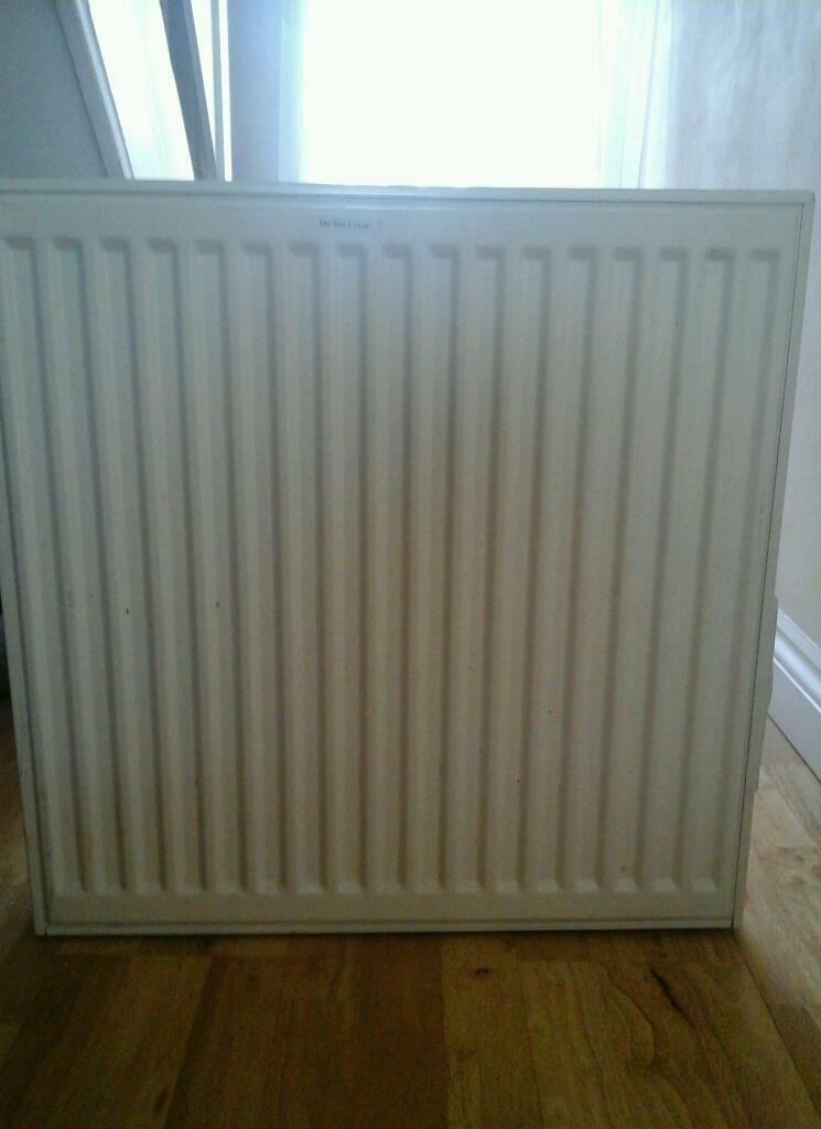 Heat electric wall radiatorin Greenwich, LondonGumtree - Heat electric wall radiator for sale. It is in good working condition. It uses oil which stores heat for longer. Make Heat Electric Model HE6060 Size 600mm x 600mm Input 900W Weight 29kg Thanks