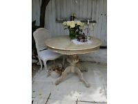 Shabby Chic Stylish Extended Round Table Painted in Annie Sloan , We Deliver !