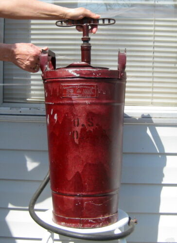 U.S. MILITARY 4 GALLON ANTIQUE HAND PUMP FIRE EXTINGUISHER UNDERWRITERS