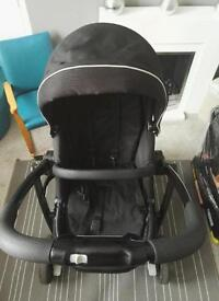 Graco Evo pram and car seat with isofix base