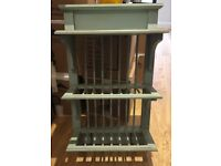 Green/blue wooden wall-mounted plate and mug rack, excellent condition