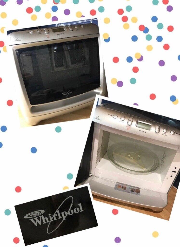 Max 25 Silver Corner Microwave