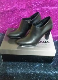Russell & Bromley New Black Leather Boots (3.5 UK)