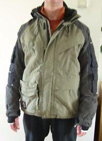 Men's Winter Jacket - Ski / Snowboarding / Hiking - Size Medium Excellent condition.