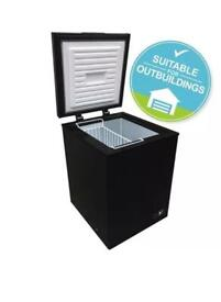 Chest Freezer In Black   147 Litres Capacity   A+ Energy Rating