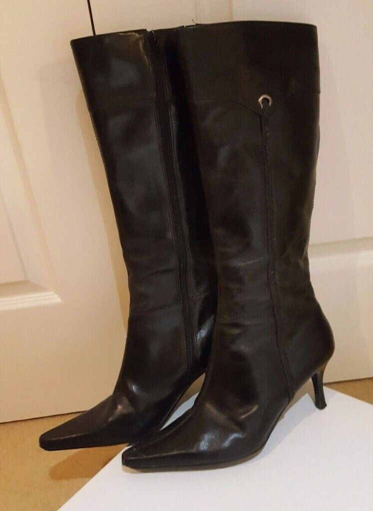 91a41d1239a ( Size 7 ) Black Leather Ladies Knee High Thigh Boots Well Worn Used Heels