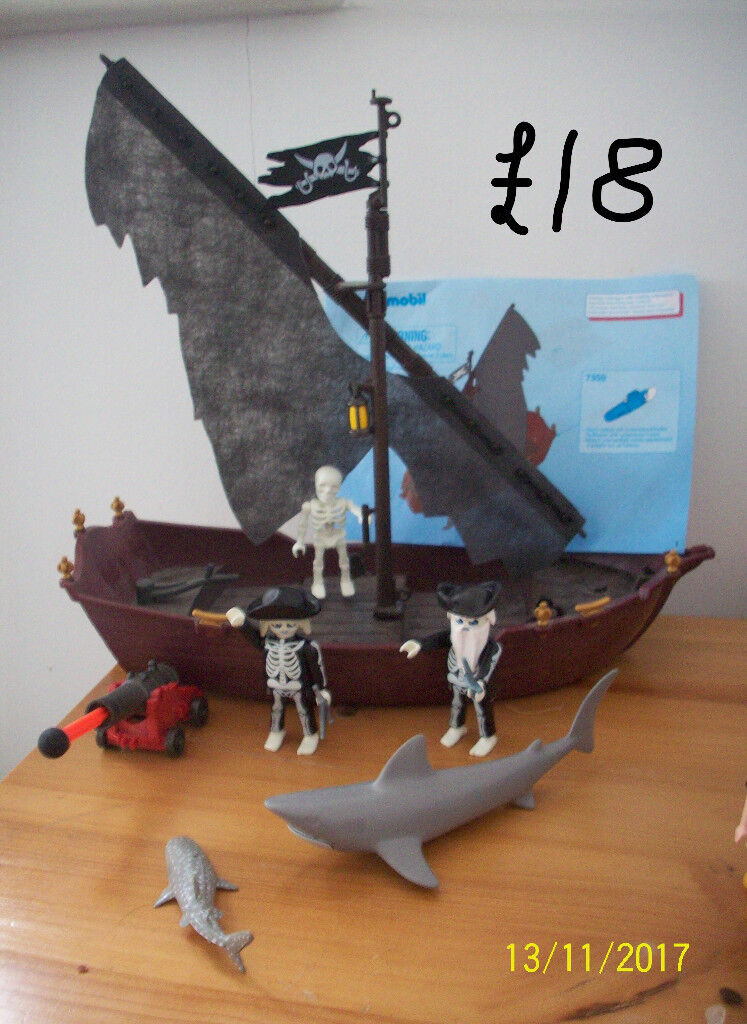 PLAYMOBIL GHOST PIRATE SHIP WITH 2 GHOST PIRATES AND 1 SKELETON,2 SHARKS,CANNON