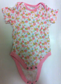Baby bodysuit 3-6 months with bees and flowers
