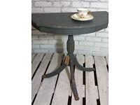 STUNNING GOLD & GRAPHITE GREY ORNATE HALF MOON TABLE