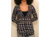 🥰 Ladies Aztec Vintage Print Navy Blue Brown Shirt Size 8/10