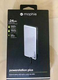 MOPHIE POWERSTATION PLUS +24HRS, 6000MAH BUILT-IN SWITCH-TIP CABLE, SPACE GRAY/BLACK