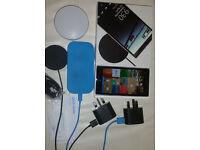 Nokia Lumia 930 bundle wireless chargers and bluetooth speaker unlocked 32GB