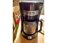 De'Longhi filter coffee maker with filters