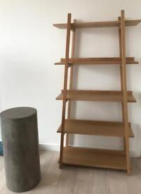 Pedestal column, grey
