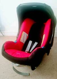 BRITAX Car Seat. EXCELLENT. Black and red. Fits many prams