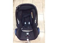 MAXI COSI CAR SEAT WITH RAINCOVER RRP £120
