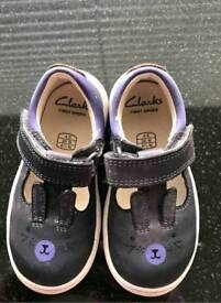 CLARKS FIRST SHOES SIZE 4E