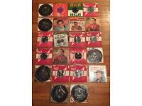Job lot of 22 Elvis Presley 7 inch records from the 1950s and 1960s. Condition of each vinyl varies