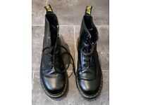 Very Good Condition | The Original 1460 Dr. Martens Boot | AirWair | Black | UK Size 6 | Rotherham