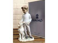 LLADRO -MY LOYAL FRIEND- FIGURE MODEL 6902 BOY MAN CHILD DOG PUPPY LABRADOR RETRIEVER