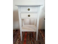LARGE WHITE WASHED SHABBY CHIC VINTAGE BEDSIDE TABLE NIGHTSTAND -GREAT CONDITION! BETHNAL GREEN / E2