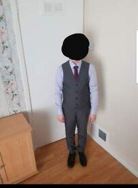 Boys 3 piece suit only worn twice in excellent condition would suit age 10-12