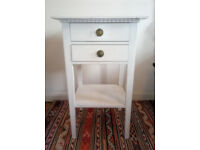 WHITE WASHED SHABBY CHIC VINTAGE BEDSIDE TABLE / NIGHTSTAND - GREAT CONDITION! BETHNAL GREEN / E2