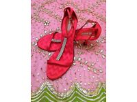 NEW ANN MARINO SANDALS DIAMANTE JEWEL RED SATIN T BAR Zig Zag Quilted Strappy Shoe 7/8 Designer PROM