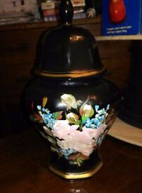 Lovely Vintage Ceramic Urn