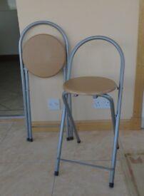 2 folding stools