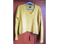 Yellow jumper size M