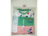 Earlydays sleepsuits and bib brand new for 12 to 18mnts.