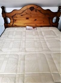 Bedroom Set Carved, Wooden Double Bed with Mattress & Drawers with Mirror