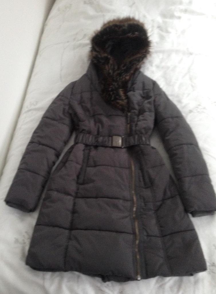 """Ladies """"Jasper Conran"""" quilted feather 3/4 length coat, size 8, grey."""