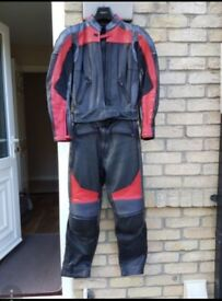 PRICE REDUCED Frank thomas ladies leather jacket and trousers